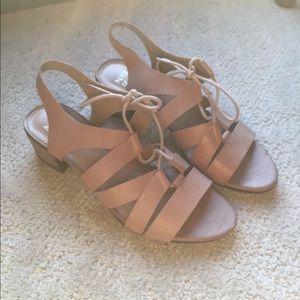 Naturalizer leather heel